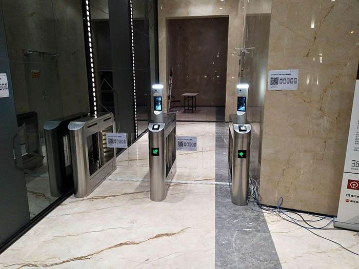 人臉識別通道閘系統